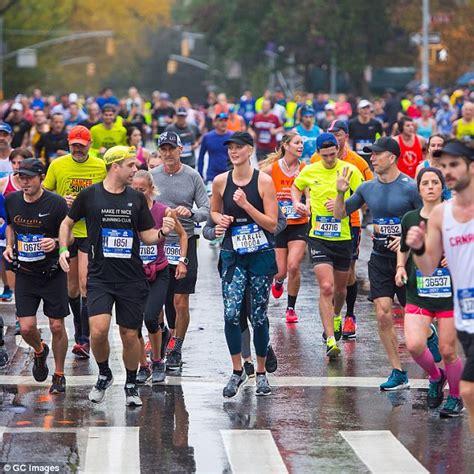 kevin hart marathon time kevin hart and karlie kloss run nyc marathon daily mail