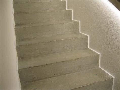 treppenstufen parkett auf betonstufen kostenloses foto stiegen stufen stufe stiege
