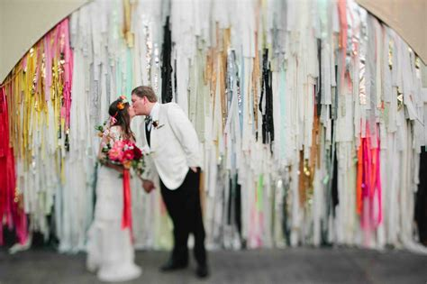 what you need to to choose your wedding colors