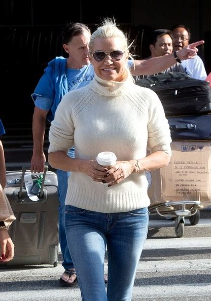 what brand of white jeans does yolanda foster wear yolanda foster jeans brand rachael edwards