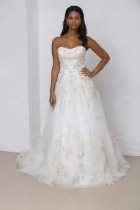 Bridal runway show fall 2013 wedding dresses and fashion ideas