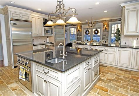 galley kitchen design with island 25 exciting traditional kitchen designs and styles