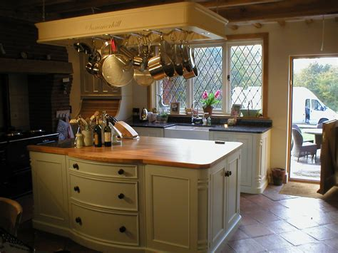 Handmade Kitchen Furniture - bespoke kitchen units cabinets furniture handmade in kent
