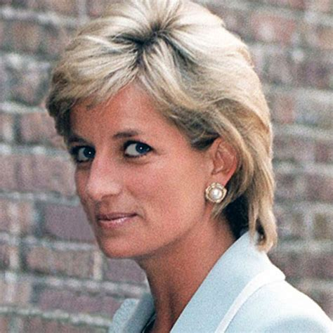 lady diana biography en anglais princess diana princess of wales was one of the most