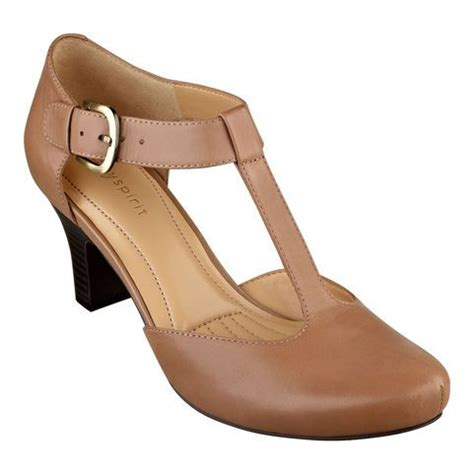 comfortable dress heels best 25 comfortable dress shoes for women ideas on