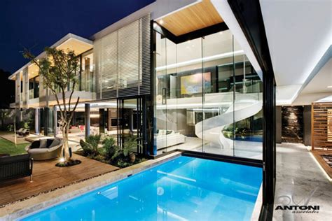 amazing modern homes sparkling glass house in johannesburg twinkles with