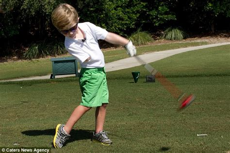one handed golf swing three year old with one arm becomes golfing prodigy
