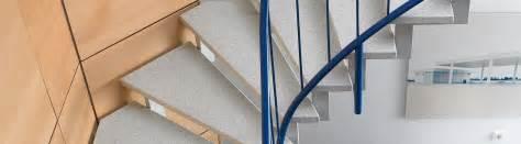 www fuchs treppen de treppe fuchs treppen stahl holztreppen multicolorstufen