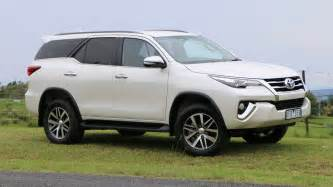 2016 Toyota Fortuner 2016 Toyota Fortuner Review Chasing Cars
