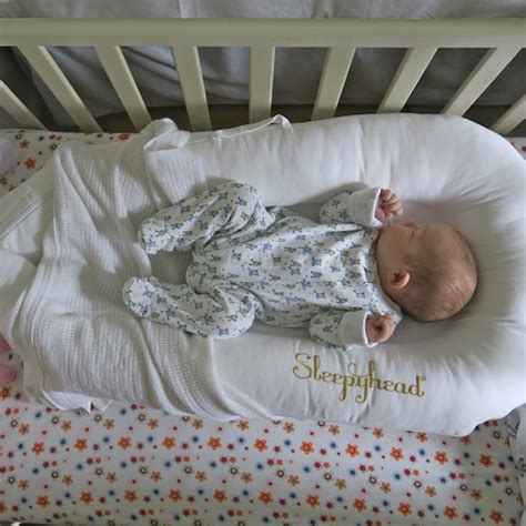 baby rolled off bed review sleepyhead deluxe portable baby bed the uphill
