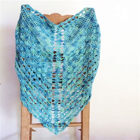 shawl pattern variegated yarn 1000 images about variegated yarn stitch patterns on