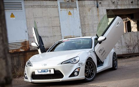 Lamborghini Doors Toyota Gt86 Gets The Lambo Door Treatment Spec Race To