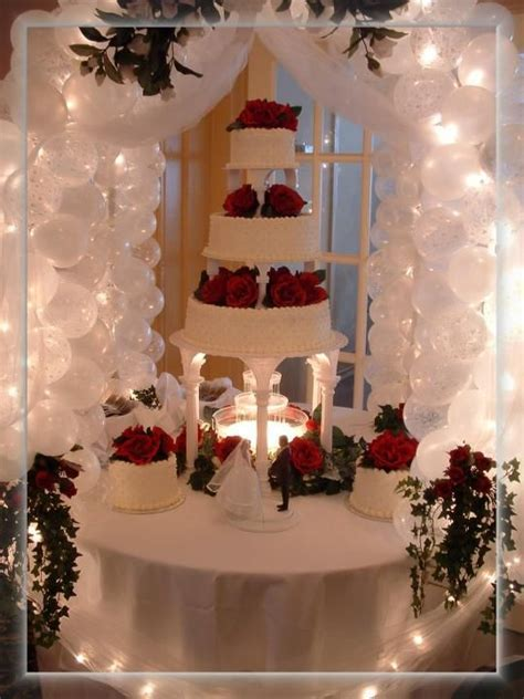 wedding cake table decorations     Cake Table Gazebo