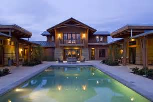 U Shaped Homes U Shaped Ranch House Towering Above The Symmetry Of