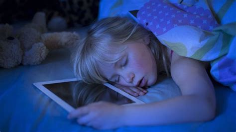 cell phones prevent sleep say night night to the blue light top tips for sleeping with cell phone nerdsleep