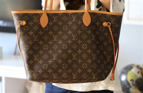 Lv Neverfull L what s in my bag lv neverfull mm review hayley blogs