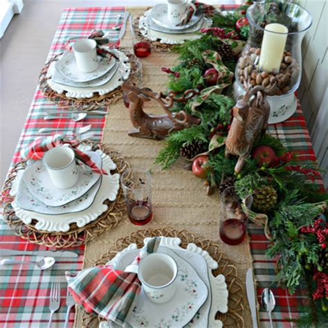 Dining Room Table Christmas Decoration Ideas home dzine home decor decorate the christmas dining table