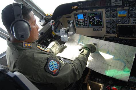 missing airasia plane qz experts compare