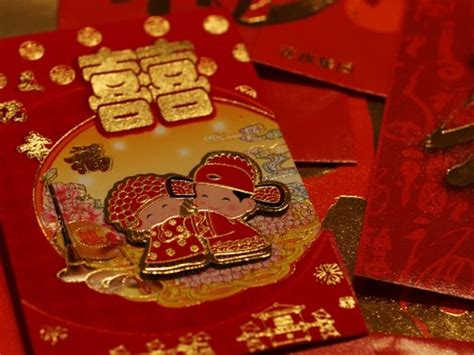 new year traditions lai see how to celebrate new year traditions in hong kong