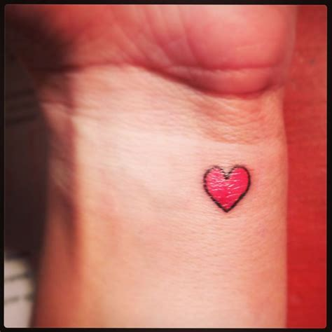 tiny heart wrist tattoo tattoos pinterest