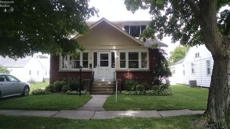 Houses For Sale In Port Clinton Ohio by Port Clinton Oh Real Estate And Port Clinton Oh Homes For
