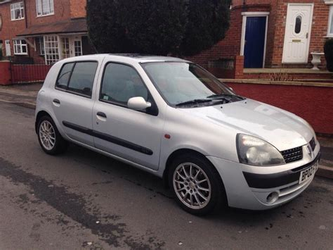 renault clio 2002 renault clio 2002 silver 1 2 walsall sandwell