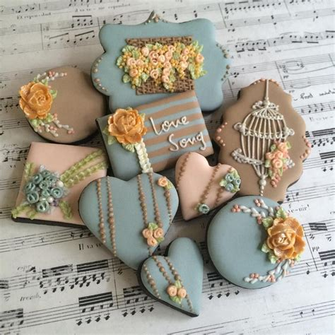 cake chic galletas heart bird cake flowers shabby chic cookies tan wedgewood blue tan yellow gold galletas