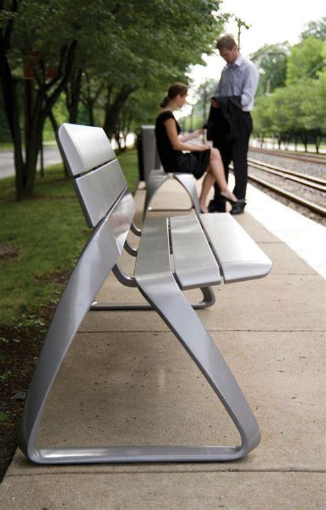 public couch metro40 bmw en el mobiliario urbano di conexiones