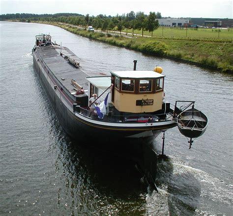 woonboot piushaven scheepsportret sleepkempenaar antoinette deel 1