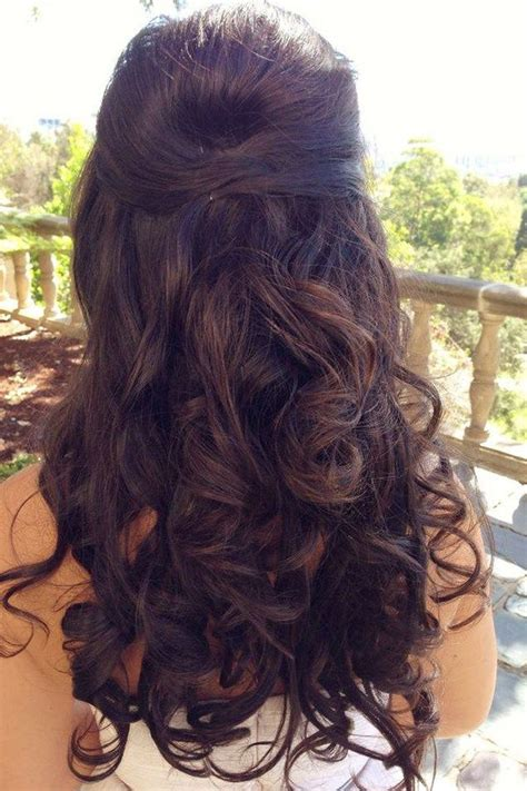 Pinned Back Hairstyles For Hair by Best 25 Hair Pinned Back Ideas On Pinning