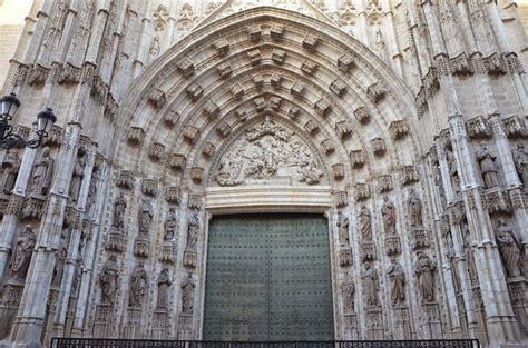 entrada catedral de sevilla puertas entrada catedral de sevilla un poco de sevilla