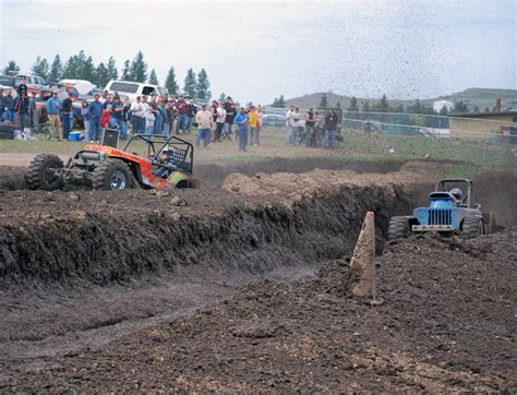 spokane humane society dogs mud racers prove dogs need in humane society benefit
