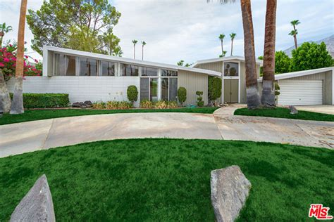 Mid Century Modern Bedrooms butterfly roof palm springs real estate