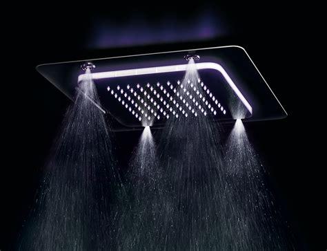 soffioni doccia a soffitto una doccia emozionale nel bagno di casa social design