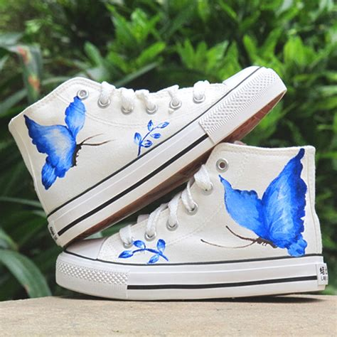 diy white shoes diy shoes ideas painted sneakers with black kitten