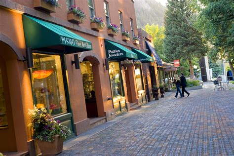 speciality shops in downtown aspen colorado