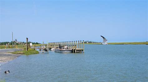 public boat r moneta va shoreline boat r