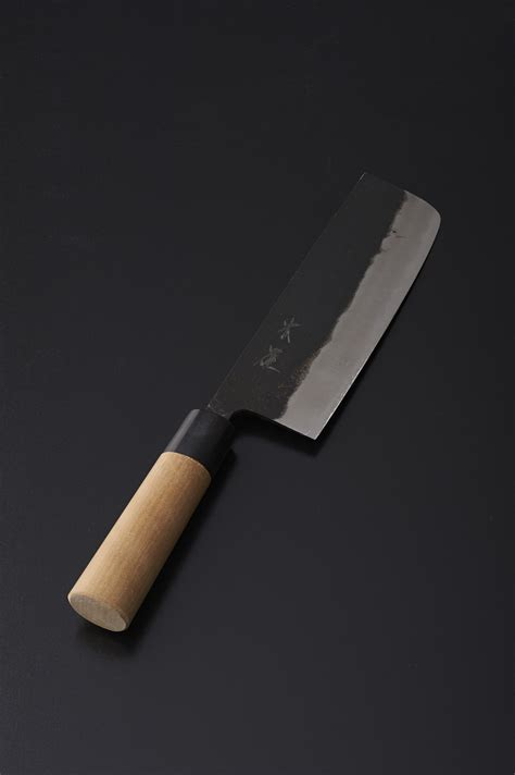 essential knives for the kitchen 100 essential kitchen knives the only kuroi hana
