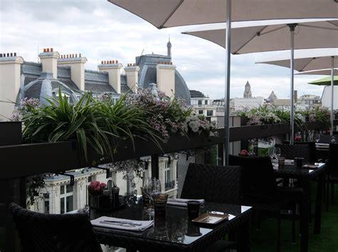 restaurant le w terrasse la terrasse secr 232 te du w au warwick chs elys 233 es 224