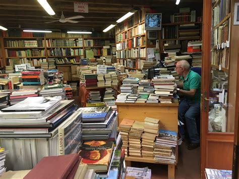 librerie venezia duri a morire a venezia la resistenza delle librerie