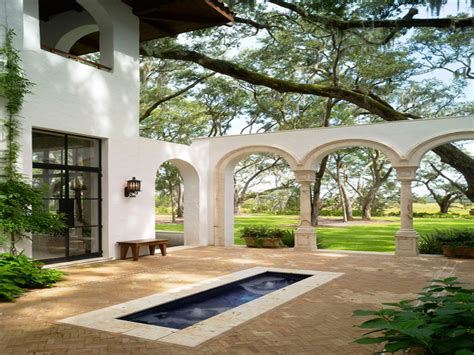 spanish style courtyards spanish style homes with courtyards spanish style homes