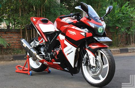 Lu Cbr 150 modifikasi cbr 150 local merah motorcbr