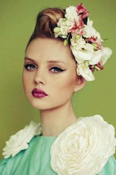 cappelli con fiori acconciature capelli con fiori