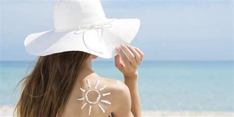 Tabir Surya Semprot saat liburan bagaimana cara memakai tabir surya yang