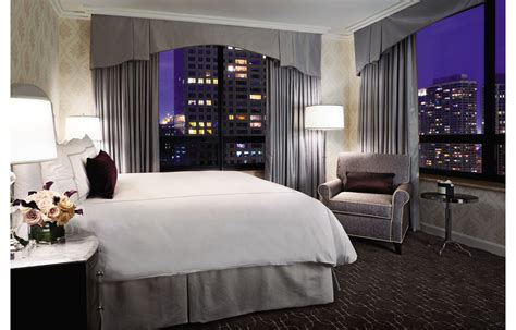 Two Bedroom Hotel Suites In Chicago | magnificent mile suite chicago hotel suites the ritz