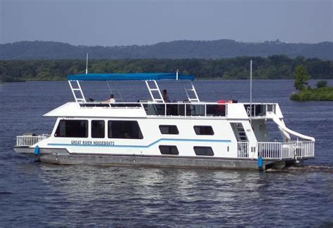 House Boat by Delight Houseboat