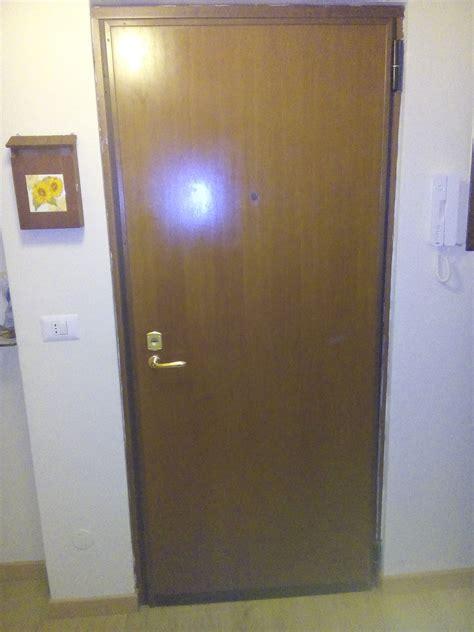 come cambiare la serratura di una porta blindata sostituzione pannello porta blindata costo semplice e