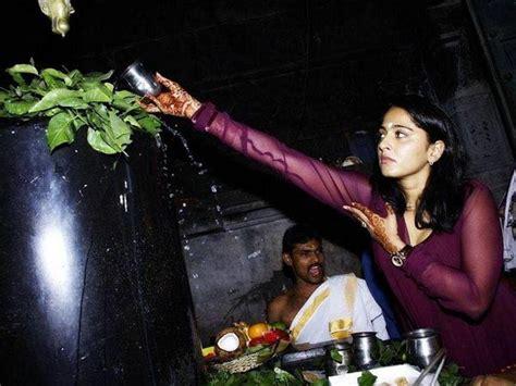 film rudrama devi biography anushka shetty s first photoshoot baahubali s devasena