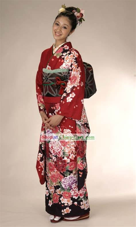 Traditional Japanese Costume japanese traditional kimonos costumes japan