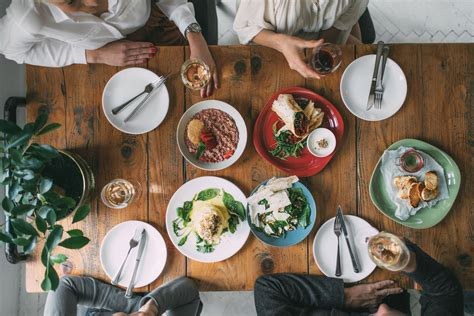 Dining Table Etiquettes Tips On Proper Etiquette At The Table